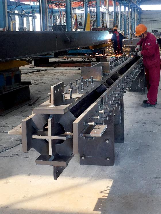 Cross steel plate column